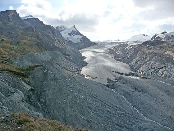 View of the Findel glacier from the top of the moraine