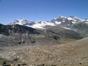 From Jatzikicku, the Schwarzberghorn, Strahlhorn, Rimpfischhorn and the back of the Monte Rosa massif